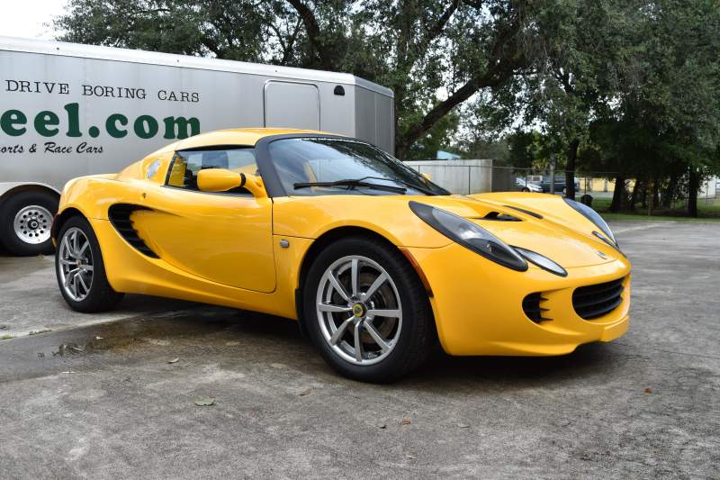 2005 Lotus Elise Yellow (25).JPG